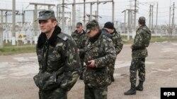 Українські військові в Бахчисараї, 20 березня 2014 року