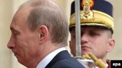 Vladimir Putin la summitul NATO de la Bucureşti, 4 aprilie 2008