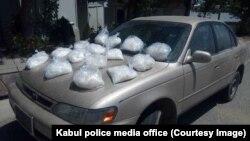 آرشیف، کشف مقداری شیشه توسط نیروهای پولیس افغان