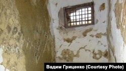 В камере штрафного изолятора