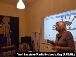 Барбара Стасішин під час заняття в клубі «Шанс»