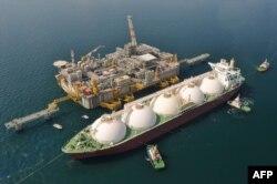 Один из важнейших объектов экономики Венето - морской терминал по приему и транспортировке сжиженного газа