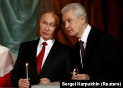 President Vladimir Putin (left) approved the plan at a February meeting with Moscow Mayor Sergei Sobyanin. (file photo)