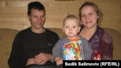 Almir Salihovic and Dusica Rendulic, with their son, Yusuf, have put down roots in the war-scarred town of Srebrenica.
