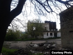 Фото автора. Розкрадений на металобрухт хлібокомбінат Торезу
