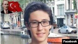 19 yaşlı Berkay Akbaş dekabrın 10-da İstanbulda qanlı terrorda həyatını itirən 44 nəfərdən biridir.