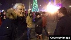 Бишкек шаарынын мэри Кубанычбек Кулматов Ала-Тоо аянтында. 31-декабрь 2014-ж. фото: Нурай Марс