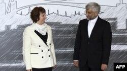 Përfaqësuesi i Iranit në bisedimet e Stambollit, Saed Xhalili, dhe shefja për politikë të jashtme e BE-së, Kethrin Eshton, Stamboll