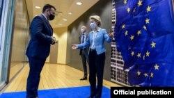 Илустрација - Македонскиот премиер Зоран Заев и претседателката на ЕК, Урсула фон дер Лајен