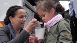 Як реагували у Брюсселі на страви, які їли українці під час Голодомору – відео