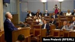 Premijerskom satu 29. jula, tokom kojeg predsjednik Vlade Zdravko Krivokapić odgovara na pitanja poslanika, nisu prisustvovali poslanici Demokratskog fronta