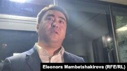 Жанар Акаев после допроса в МВД. Бишкек. 15 сентября 2021 года.