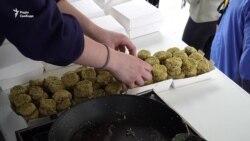 Відчути «смак» українського Голодомору змогли перехожі у Брюсселі