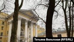 """""""Ленфильм"""", парадный вход"""