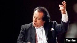 علی رهبری میگوید سرود ملی فعلی برای ایرانیان «کمی غریبه» است.