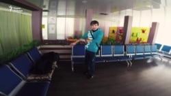 Арлен почти три месяца живет в аэропорту