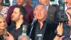 Мило Ѓукановиќ ја прославува изборната победа