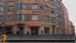 """Dubioza Kolektiv u Pragu: Koncert, intervju i akustični """"Brijuni"""""""