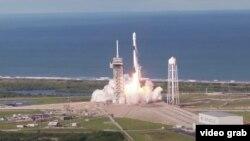 Falcon 9 зымыран-тасығышын ұшыру сәті.