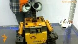 Танцующие и поющие роботы из Японии и США