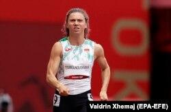 Kristina Șimanovskaia, la proba feminină de 100 de metri, în timpul Jocurilor Olimpice de la Tokyo, pe Stadionul Olimpic din Tokyo, 30 iulie 2021