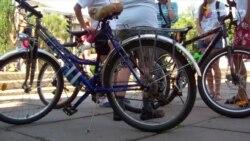 Бібліотекарі сіли на велосипеди до Дня незалежності США