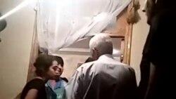 Polis bölməsində ölən gəncin valideynləri etiraz edir- [İkinci video]