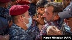 Митинг в Ереване, 11 ноября