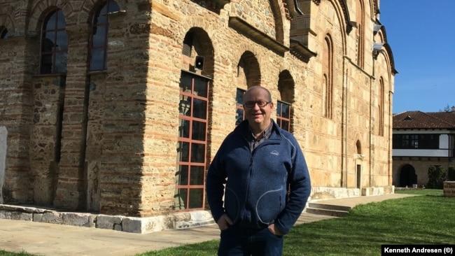 Kosovë: Kenneth Andresen, gjatë një vizite të tij në Manastirin e Graçanicës më 2016.