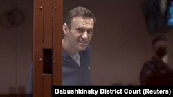 Aleksei Navalny in a Moscow courtroom on February 12