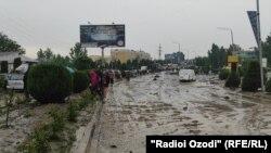 Последствия селя в Кулябе в Таджикистане, 11 мая 2021 года.
