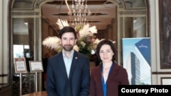 Parlamentarul liberal Matei Dobrovie și Maia Sandu, președinta aleasă a R. Moldova (Courtesy Photo)