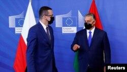 Премиерът на Полша Матеуш Моравецки и на Унгария Виктор Орбан