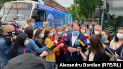 Primarul general al Chișinăului, Ion Ceban la deschiderea primelor două centre mobile de vaccinar