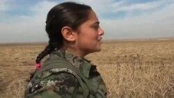 فتيات كرديات يتطوعن للدفاع عن كوباني