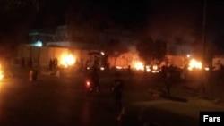 Imagini din preajma consulatului iranian din Karbala, Irak
