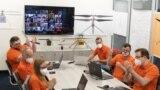 شادی تیم «نبوغ» در ناسا از موفقیت اولین پرواز این هلیکوپتر فضایی