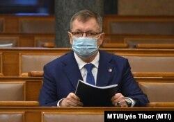 Matolcsy György az Országgyűlés plenáris ülésén 2020. december 16-án.