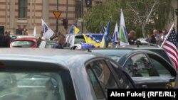 Kolona automobila u vožnji Sarajevom u znak podrške Bošnjacima iz Pljevalja