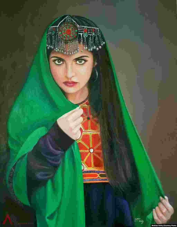 دختری با لباس سنتی افغانستان