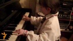 Маленький львівський музика