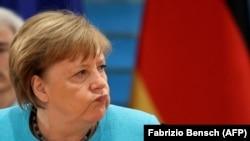 Angela Merkel la o ședință de cabinet guvernamental, 10 iunie 2020.