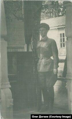 Софронов А.А. на посту, 1928 г. Москва, военно-политические курсы