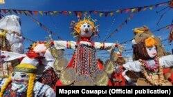 В Самаре на площади установлено 350 кукол Маслен