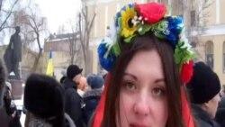 Жінки з каструлями пікетували Дніпропетровську ОДА