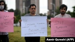 Journalists protest against the seizure of a Pakistani journalist in Islamabad in July.