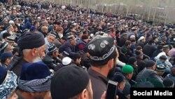 На похороны известного богослова пришли сотни верующих