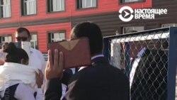 Протестующие в казахстанском Фирдоуси школьницы сняли хиджабы