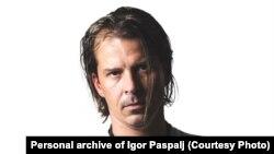 Igor Paspalj: Teško je definisati odakle crpim inspiraciju, ali gitara i muzika je sve čim se bavim profesionalno, to mi je ujedno hobii poziv