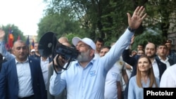 Armenia - Prime Minister Nikol Pashinian holds an election campaign rally in Yerevan, June 13, 2021.